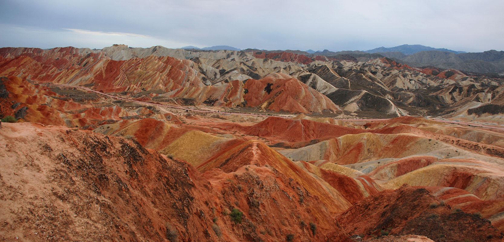 丹霞地質公園七彩湾/クリックしてちょっと大きい画像で見てちょ♪
